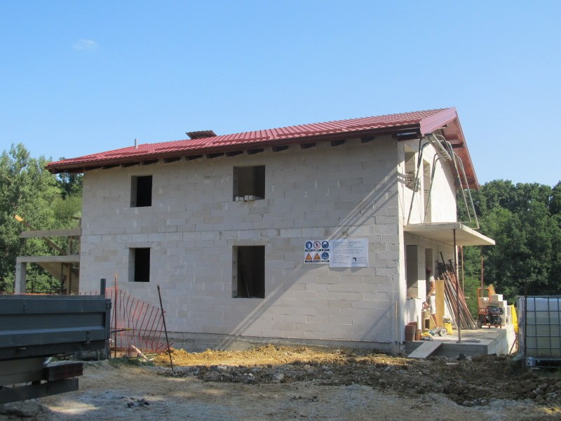 Izgradnja niskoenergetske obiteljske kuće Ytongom te pokrivanje TERMOTOP izolacijom